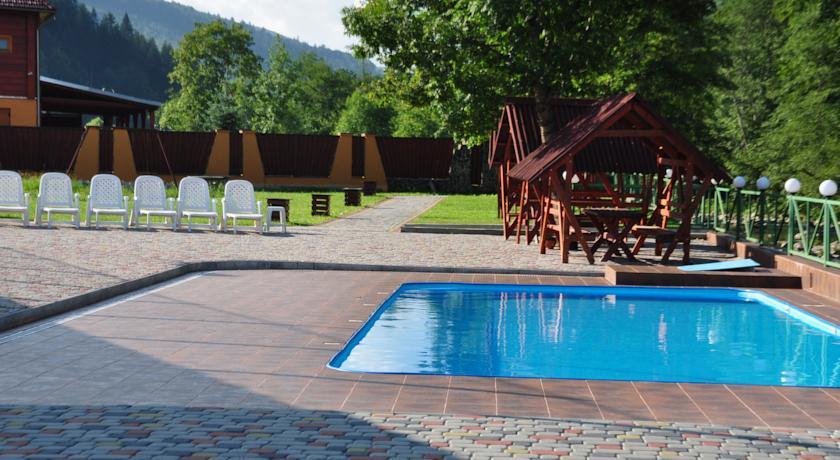 f112c7966941 Але найпрекрасніше - це звичайно відпочинок і релаксація в плавальному  басейні. Уявіть, як чудово плавати літом в басейні з видом на зелені  гірські схили ...