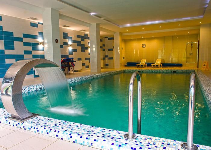 a672414a88da Таким чином, зупинившись у нашому готелі, ви зможете відпочивати з басейном  практично круглий рік.
