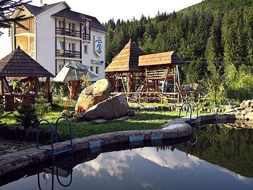 93c33327f0da Для любителів більш комфортного відпочинку в плавальному басейні, поруч з  готелем (20 метрів, перейти через дорогу) знаходиться великий відкритий  басейн ...